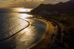 Закат на пляже Las Teresitas